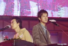 组图:刘德华出席《禁毒灭罪精采人生音乐会》