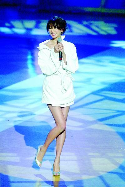 04年台湾娱乐圈只胜一个名字-林志玲(图)
