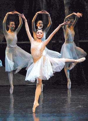 第二届北京国际舞蹈演出季《希尔维娅》中开幕