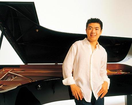 青年钢琴家郎朗奏响《黄河》抒发爱国情(附图)