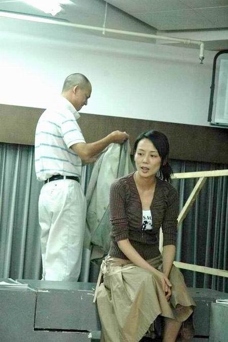 资料图片:话剧《原罪》排练照(15)