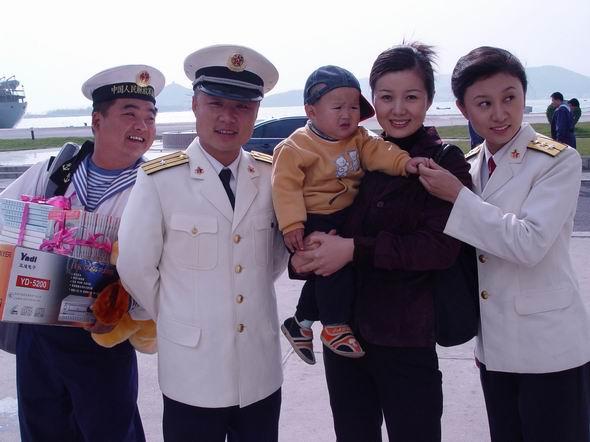 资料图片:电视剧《水兵俱乐部》精彩剧照(4)