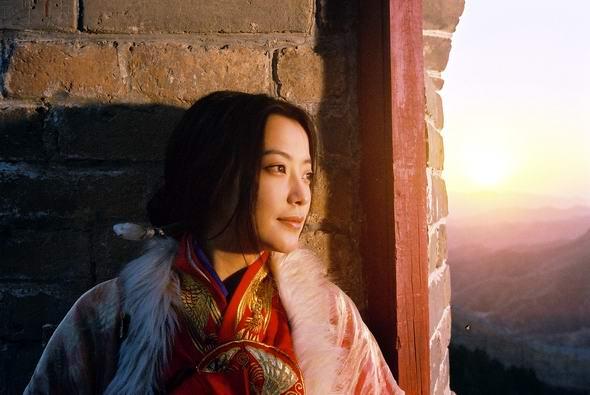 资料图片:影片《神话》剧照之金喜善(19)