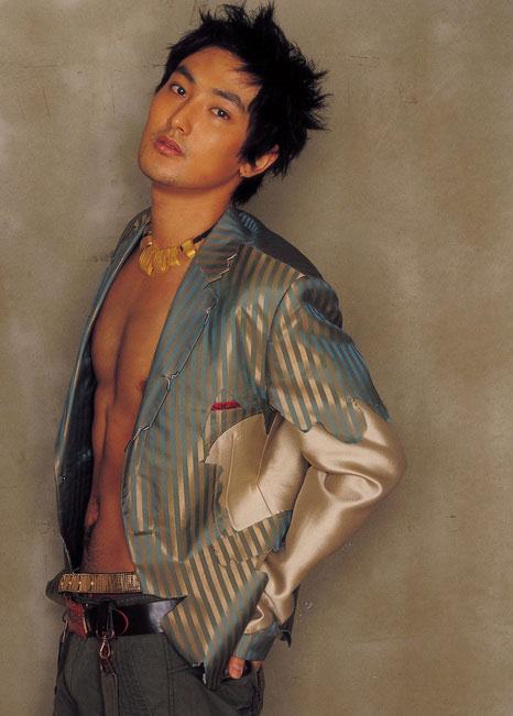 资料图片:安七炫超性感写真尽显男人魅力(1)