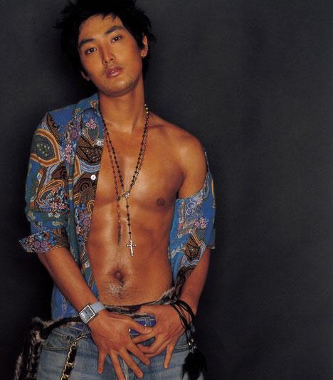 资料图片:安七炫超性感写真尽显男人魅力(3)