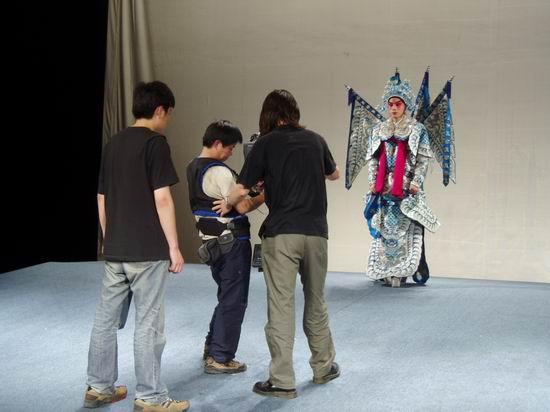 资料图片:纪录片《粉墨春秋》拍摄现场(2)