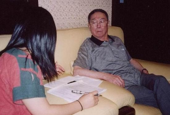 《粉墨春秋》花絮--采访谭元寿老先生