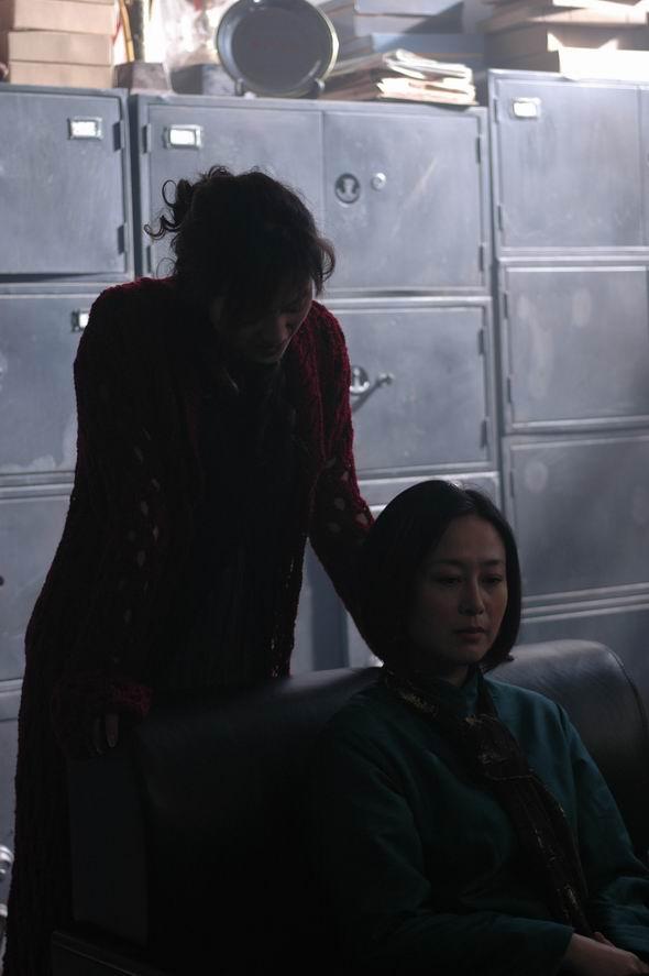 资料图片:吴镇宇主演恐怖片《诅咒》剧照(10)