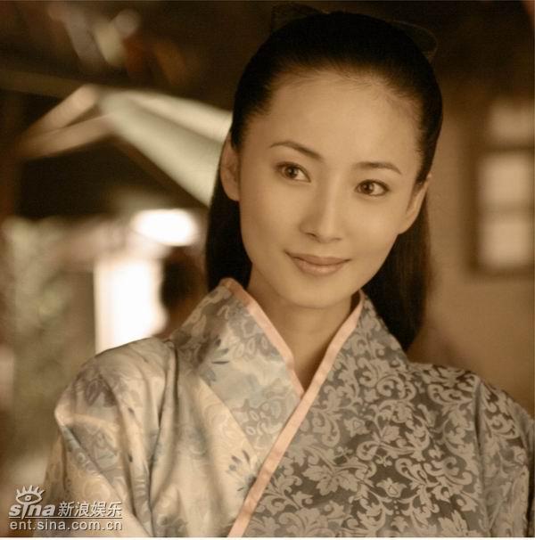 资料图片:电视剧《逐日女人》第三批剧照(39)抗战剧日本英雄的吻戏图片
