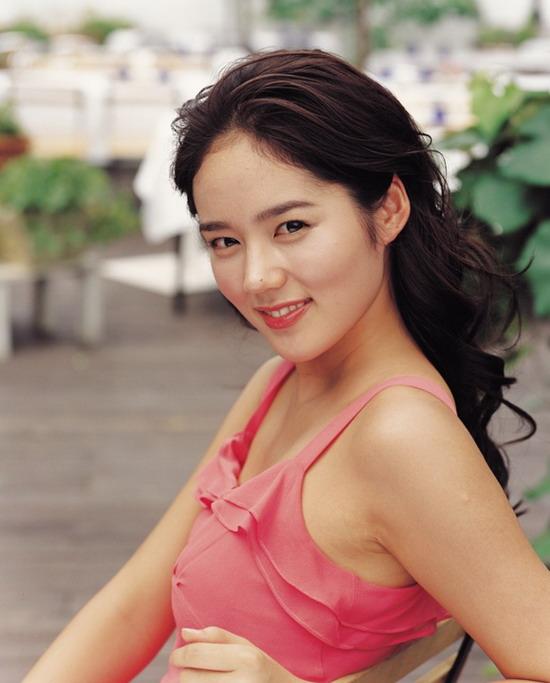 资料图片:韩国美女明星韩佳仁精彩写真(33)