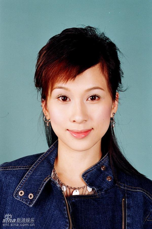 资料图片:TVB《情迷黑森林》人物造型(1)