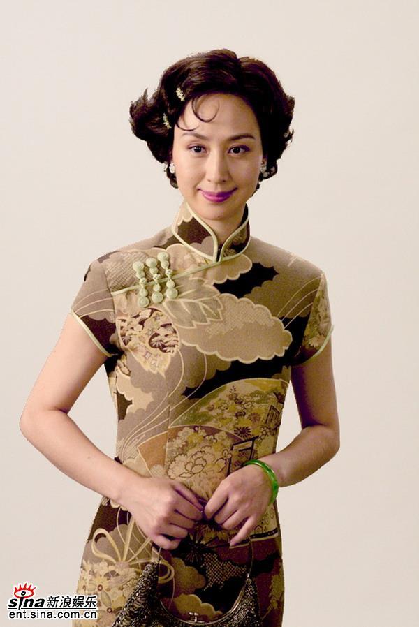 资料图片:《舞台姐妹》定妆照--史依弘(1)
