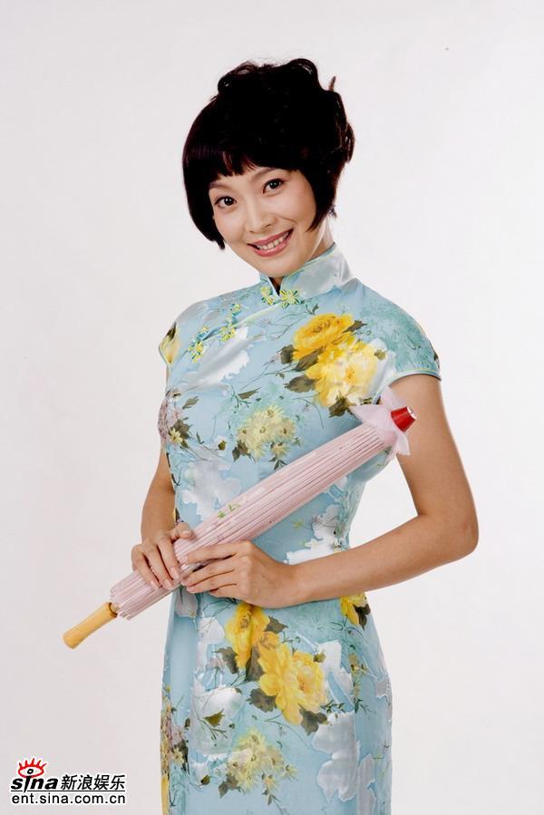 资料图片:《舞台姐妹》定妆照--苏岩(2)