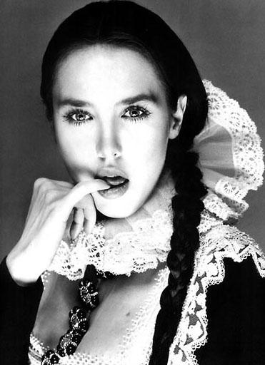 资料图片:法国女星伊莎贝尔-阿佳妮写真(4)