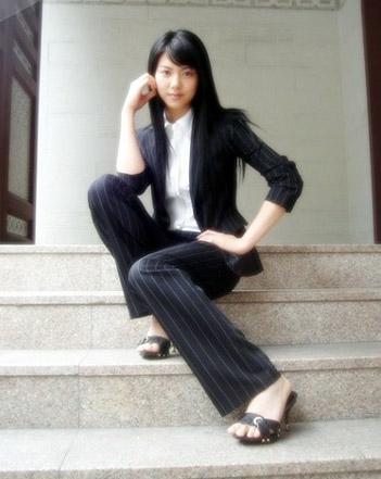 资料图片:韩国美女明星金玉彬精彩写真