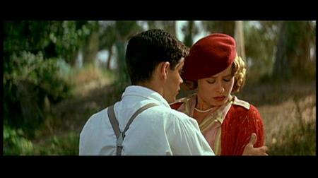 佩内洛普-克鲁兹演绎浪漫喜剧《四千金的情人》