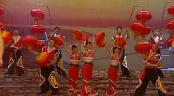 资料图片:山西民歌大型歌会--挂红灯