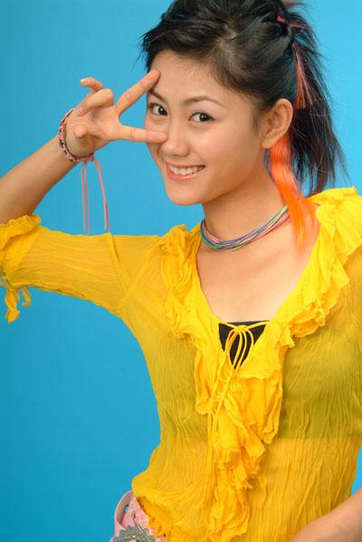 资料图片:2004年星姐选举冠军侯雯(12)