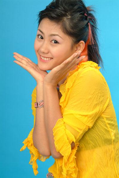 资料图片:2004年星姐选举冠军侯雯(13)