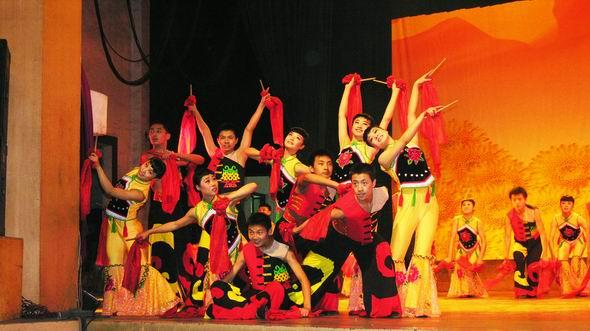 资料图片:山西民歌大型歌会--黄河鼓手(1)