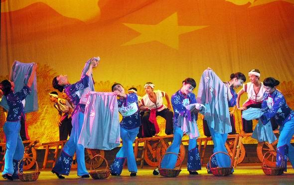 资料图片:山西民歌大型歌会--青天蓝天