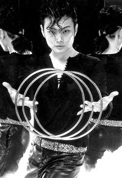 《魔法传奇》再上京城舞台冯小刚担任艺术总监