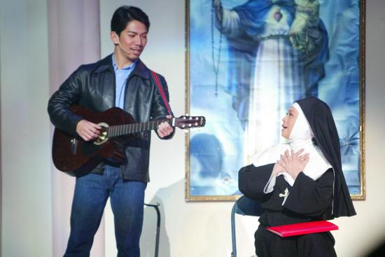 图文:《跑路救天使》工体上演吉他情歌