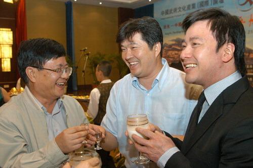 资料图片:两大论坛山西开幕-严昭柱陈忱唐季礼