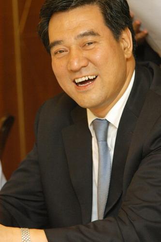 资料图片:两大论坛山西开幕-论坛名誉主席申维辰