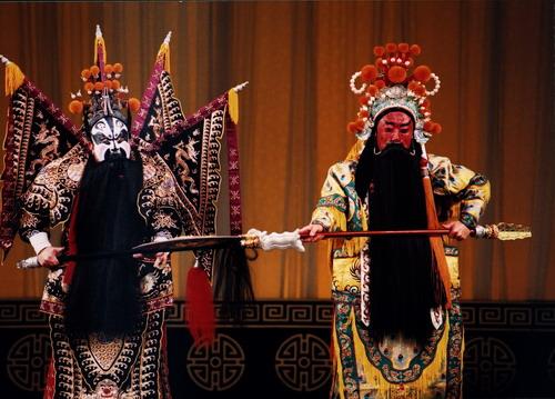 资料图片:台湾新剧团来京演出剧目-古城��