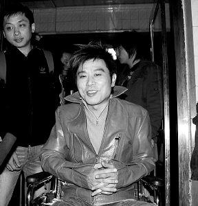 伍思凯入院潘美辰返台《北京女孩》重演未定
