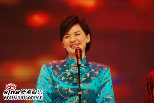 """《笑傲江湖》首战打响众明星纷纷""""亮剑""""(图)"""