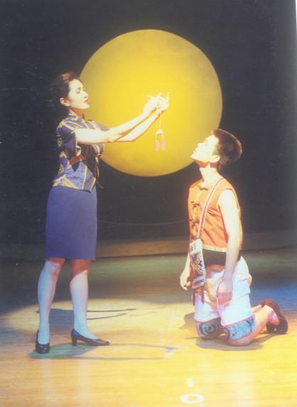资料图片:中国儿艺精彩剧照-月光摇篮曲