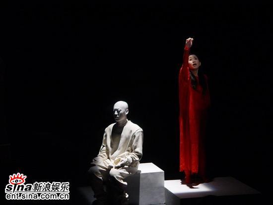 第六届大学生戏剧节展《镜子・女人》演出前后