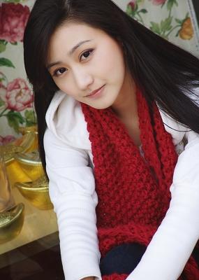 由香美子人体艺术图_资料图片:《鲁镇往事》主创人员--王杨美子