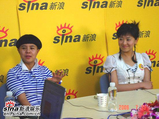 图文:主持人刘纯燕王昊做客新浪--孩子的乐园