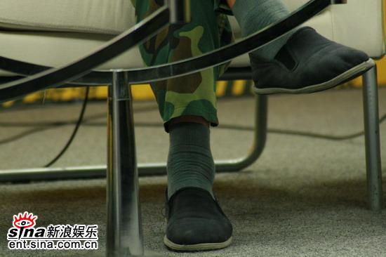 图文:陈佩斯携《托儿》做客新浪--选择舒服鞋子