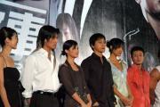 组图:《新警察故事》北京首映众星踏上红地毯