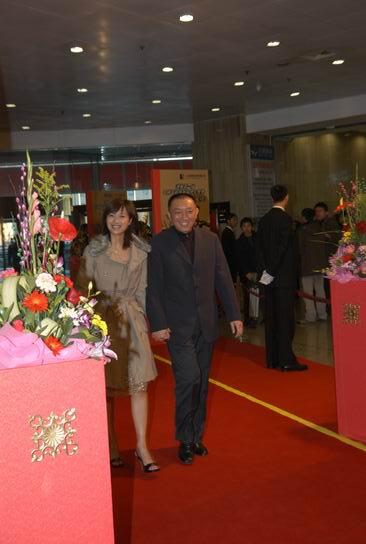 组图:韩三平徐静蕾到达导演协会颁奖典礼现场