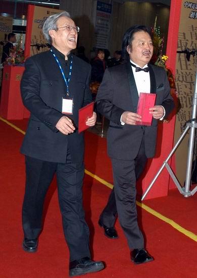 图文:谢飞滕文骥到达中国导演协会颁奖典礼现场