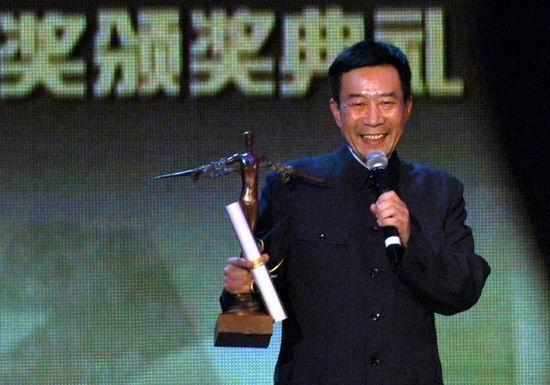 组图:李雪健凭《云的南方》获得最佳男演员奖