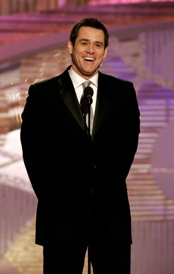 组图:金-凯瑞作为嘉宾上台颁奖现场搞笑不断
