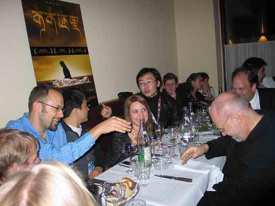 图文:陆川与西雅图电影节主席共进晚餐