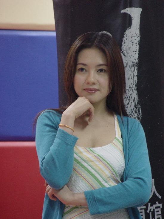 图文:《卡布其诺》主演杨子李丽珍举行记者会(1)