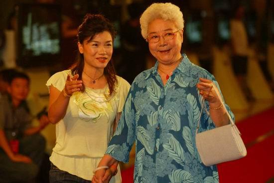 图文:北京国际体育电影周开幕式--莫慧兰与田华