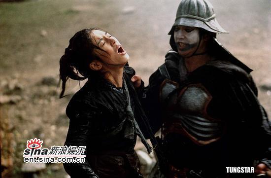 图文:杨采妮冰水中拍《七剑》无怨言--不敌对手