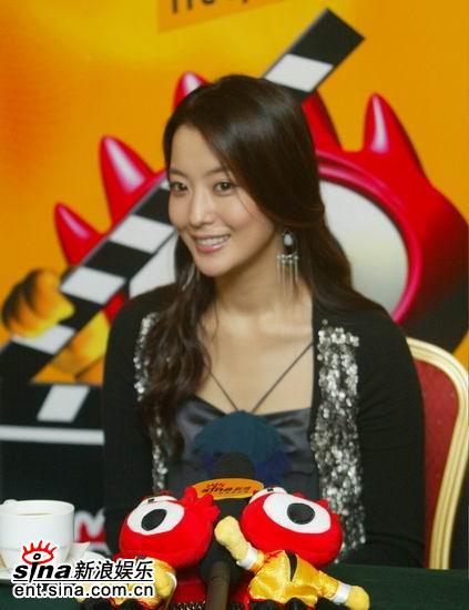 图文:韩国第一大美女金喜善新浪传授美容秘诀