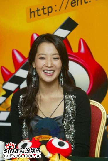 图文:韩国第一大美女金喜善聊《神话》-哈哈笑