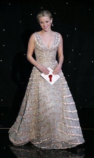 组图:第78届奥斯卡颁奖典礼服装大奖花落谁家