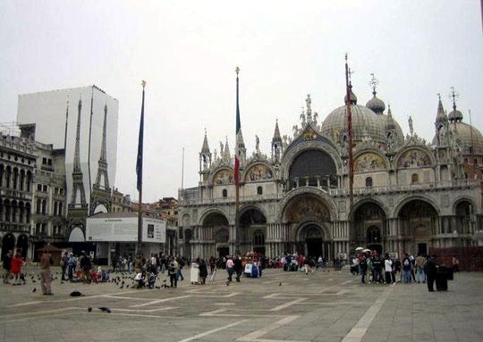 威尼斯电影地图之《偷天换日》--圣马可广场